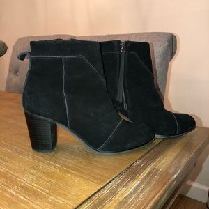 Toms Suede Black Booties